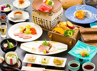 おにやまホテルお料理14品の会席 !